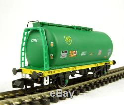 10x New Graham Farish 373-775A BP TTA tank wagons
