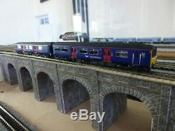 GRAHAM FARISH- 371-330 CLASS 150/1 TWO CAR DMU FIRST GREAT WESTERN FGW Boxed