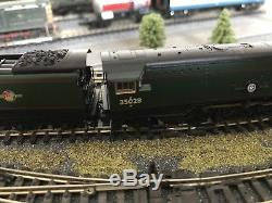GRAHAM FARISH 372-312. A MERCHANT NAVY CLASS CLAN LINE BR GREEN TTS DCC Sound