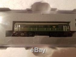 Graham Farish 370-060 Digital Commuter Train Starter Set E-Z Command (N Gauge)