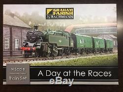 Graham Farish 370-185 A Day At The Races Train Set