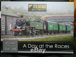 Graham Farish 370-185 A Day At The Races Train Set BNIB