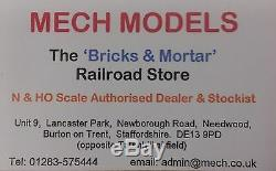Graham Farish 371-505 Network Southeastern 101 Diesel Locomotive Two Car Dmu