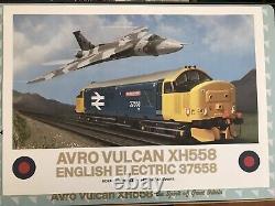 Graham Farish By Bachmann 370-375 Avro Vulcan XH558 Collectors Pack BRAND NEW