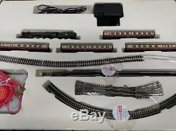 Graham Farish Train Set Size 2 N Gauge Queen Elizabeth Loco 46221
