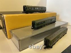 Graham Farish by Bachmann N Gauge 371-886 108 DMU BR Green 3 car unit