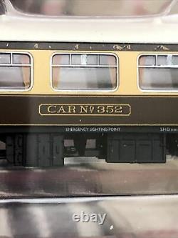 N gauge graham farish Pullman coaches X4